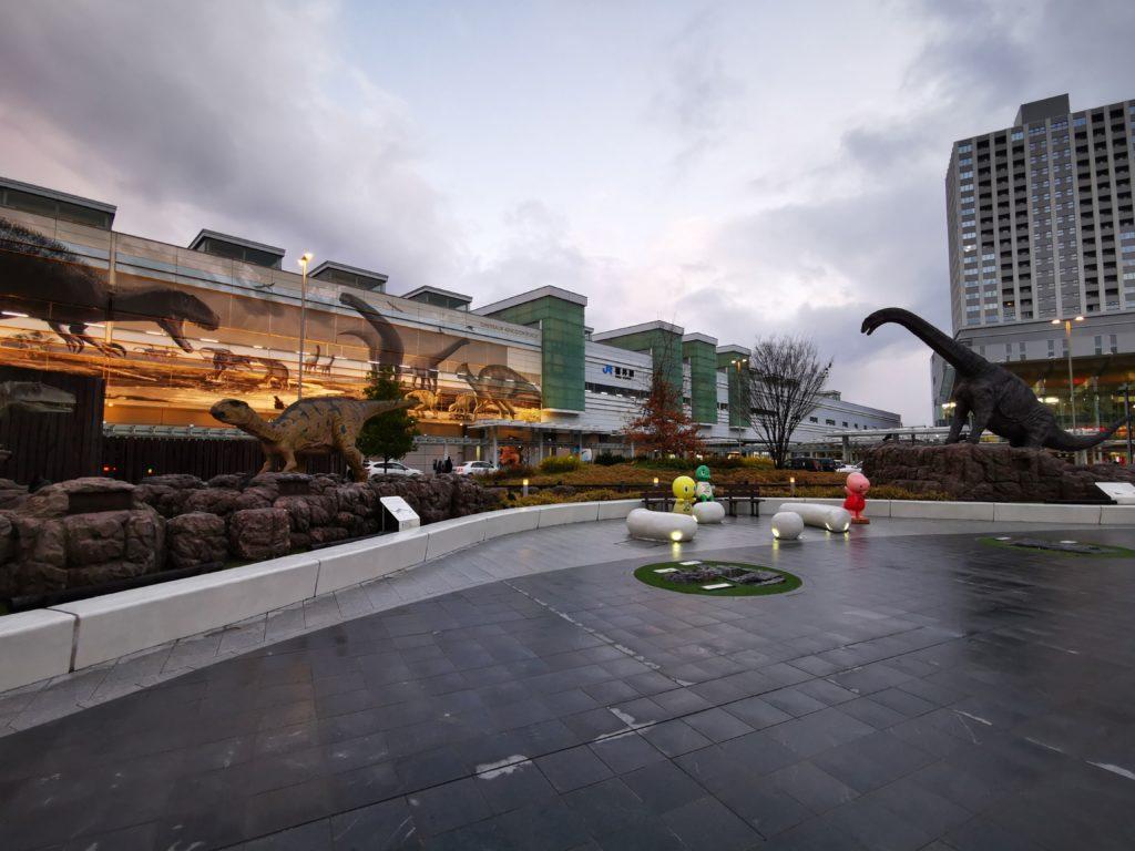 福井駅前の恐竜