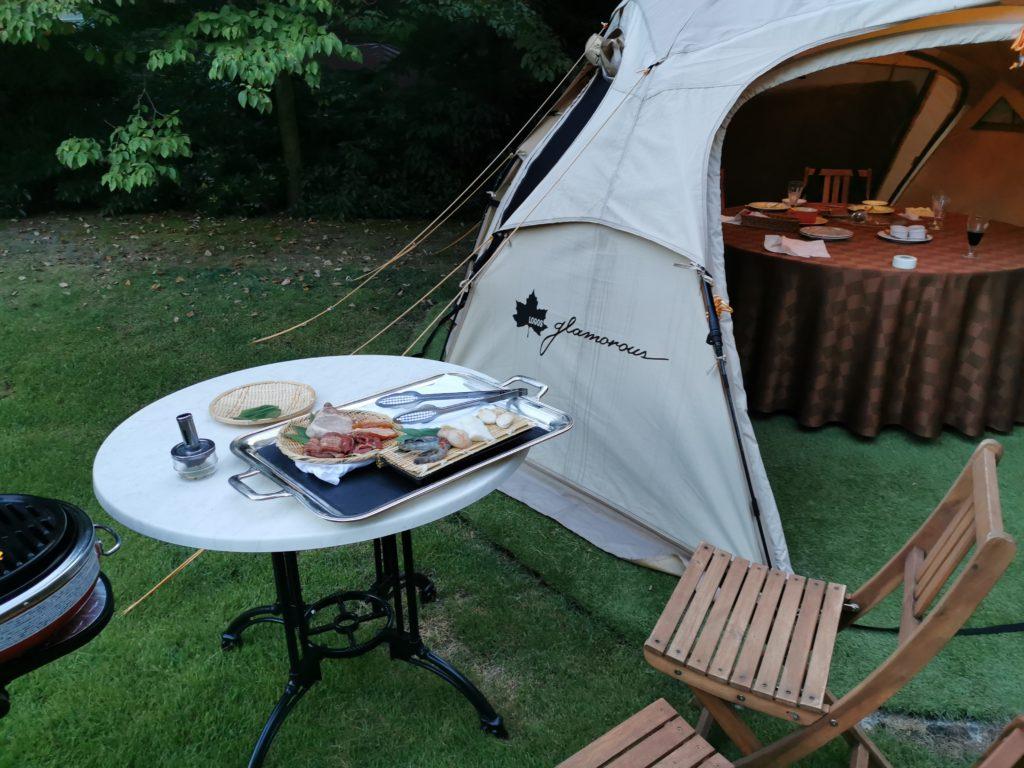 テントで夕食