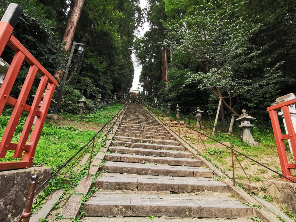 塩釜神社の階段