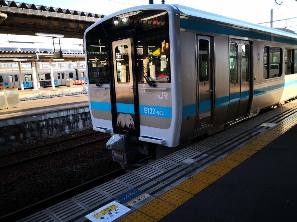 八戸駅ホーム列車