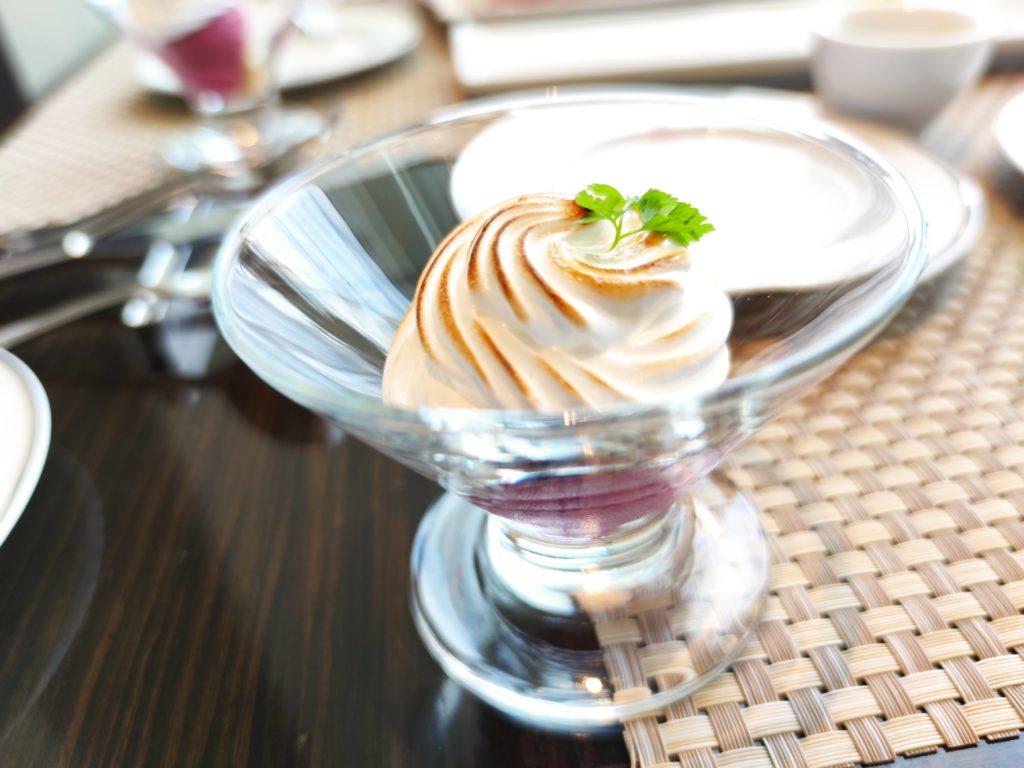 ぶどうアイスクリームのベイクドアラスカ