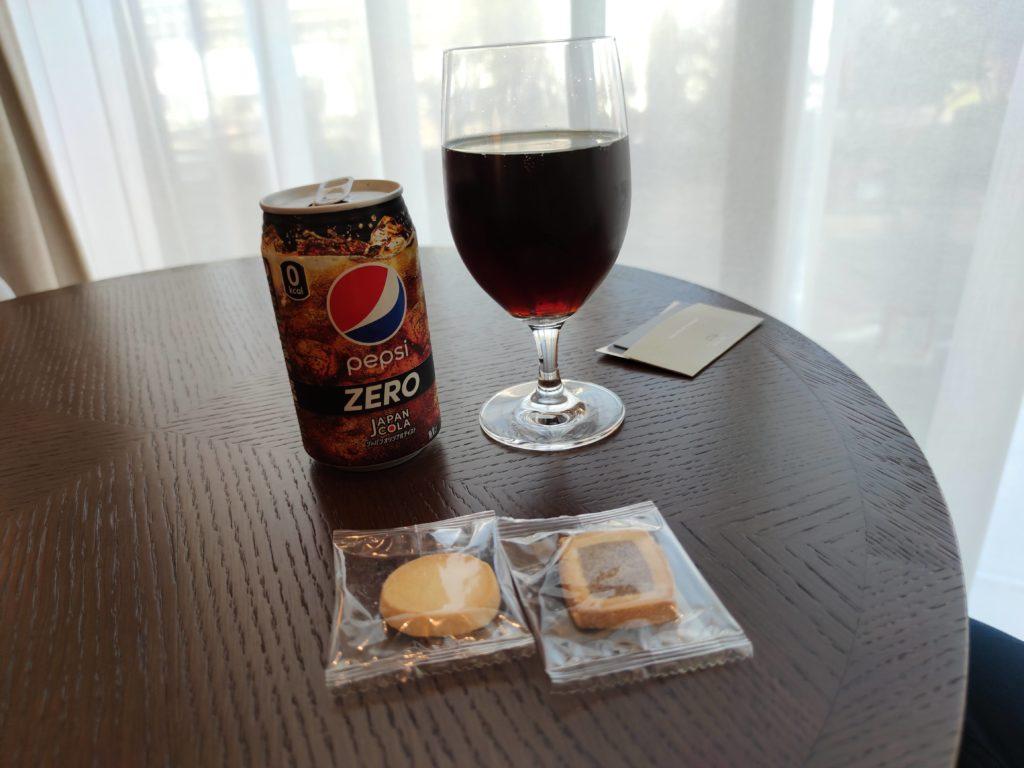 コーラとクッキー