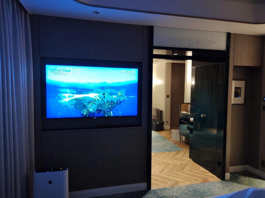 ベッドルーム側のTV