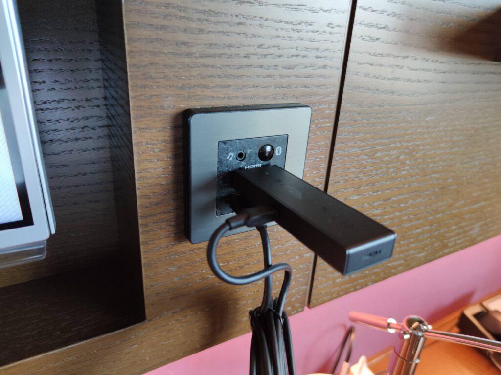 TV横のHDMI端子