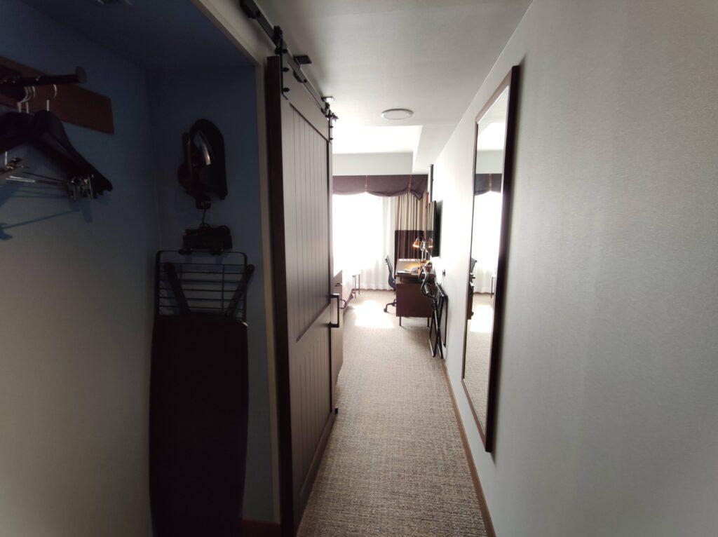 お部屋の玄関から