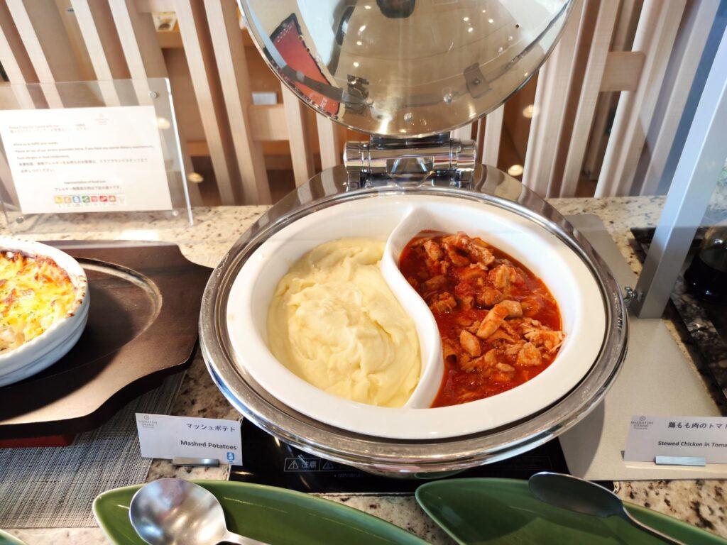 マッシュポテトと鶏肉のトマト煮