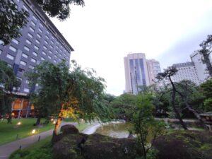 庭園から見たプリンスホテル