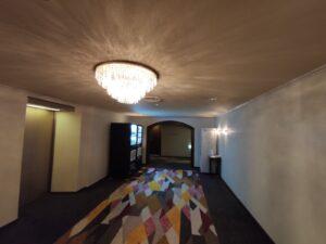 8階エレベーター前