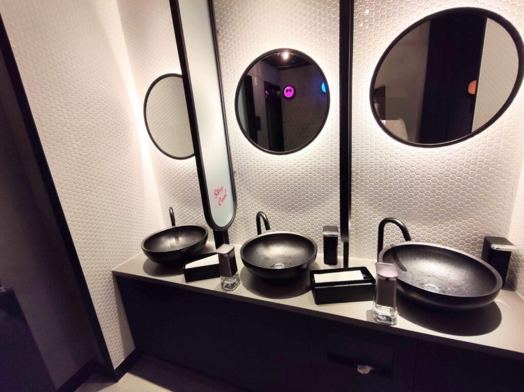 共有トイレ洗面台
