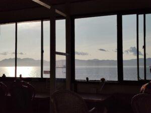 夕日の見えるカフェ
