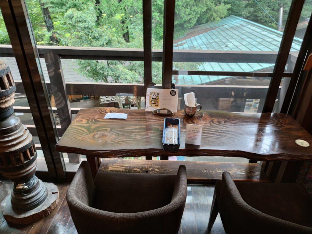 益子の茶屋 窓際席