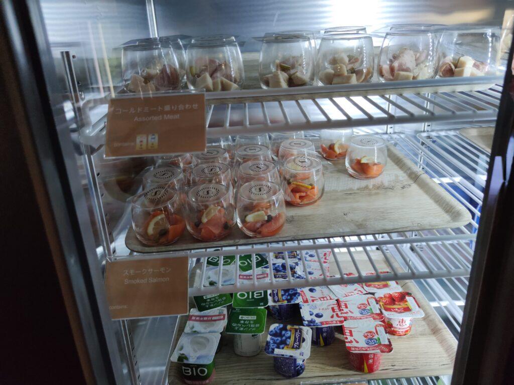 クラブラウンジ朝食の冷蔵庫